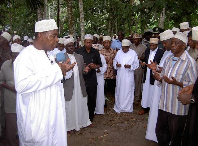 Rais Wa Zanzibar Dk Ali Shein Ashiriki Mazishi Ya Aliyekua Mnikulu katika Ikulu ya Zanzibar,Marehemu Shaaban Ahmada Hilika
